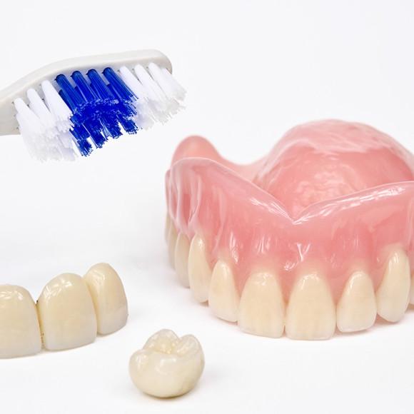 Pròtesis fixa/removible